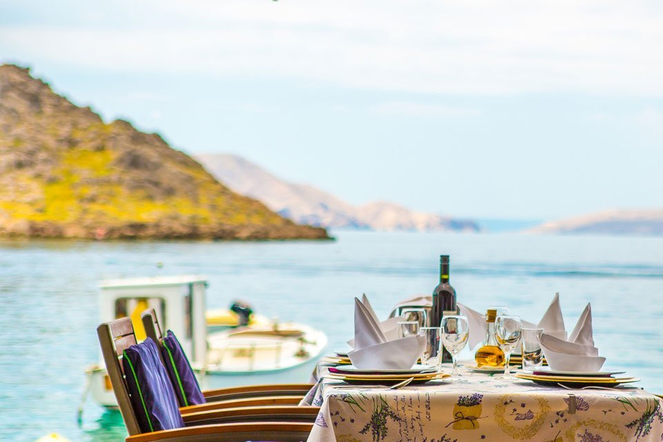 Restaurante Konoba Mul en la Isla de Silba, Croacia, y Josper