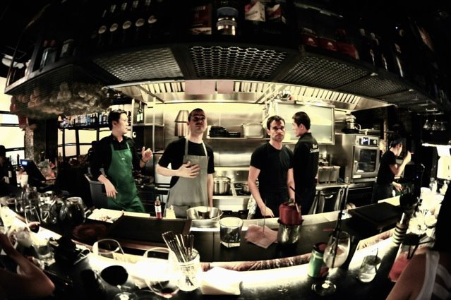 Los cocineros del FoodBar Dada y Josper