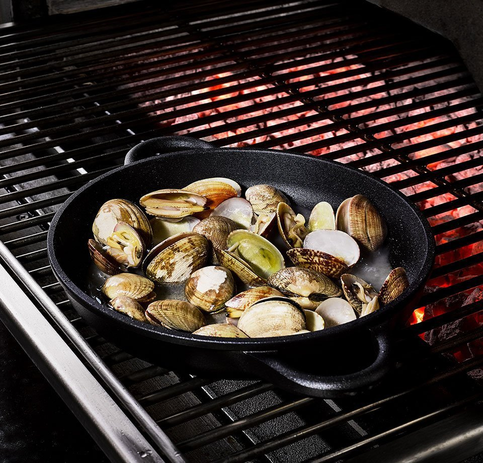 Clams on an open grill